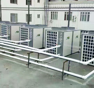 河北省仓州富康宾馆5台10匹低温机配30吨热水